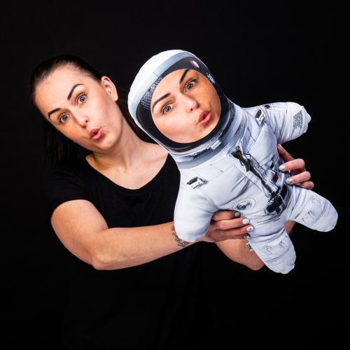 MiniKlon Astronautka ve skafandru v dárkové krabici