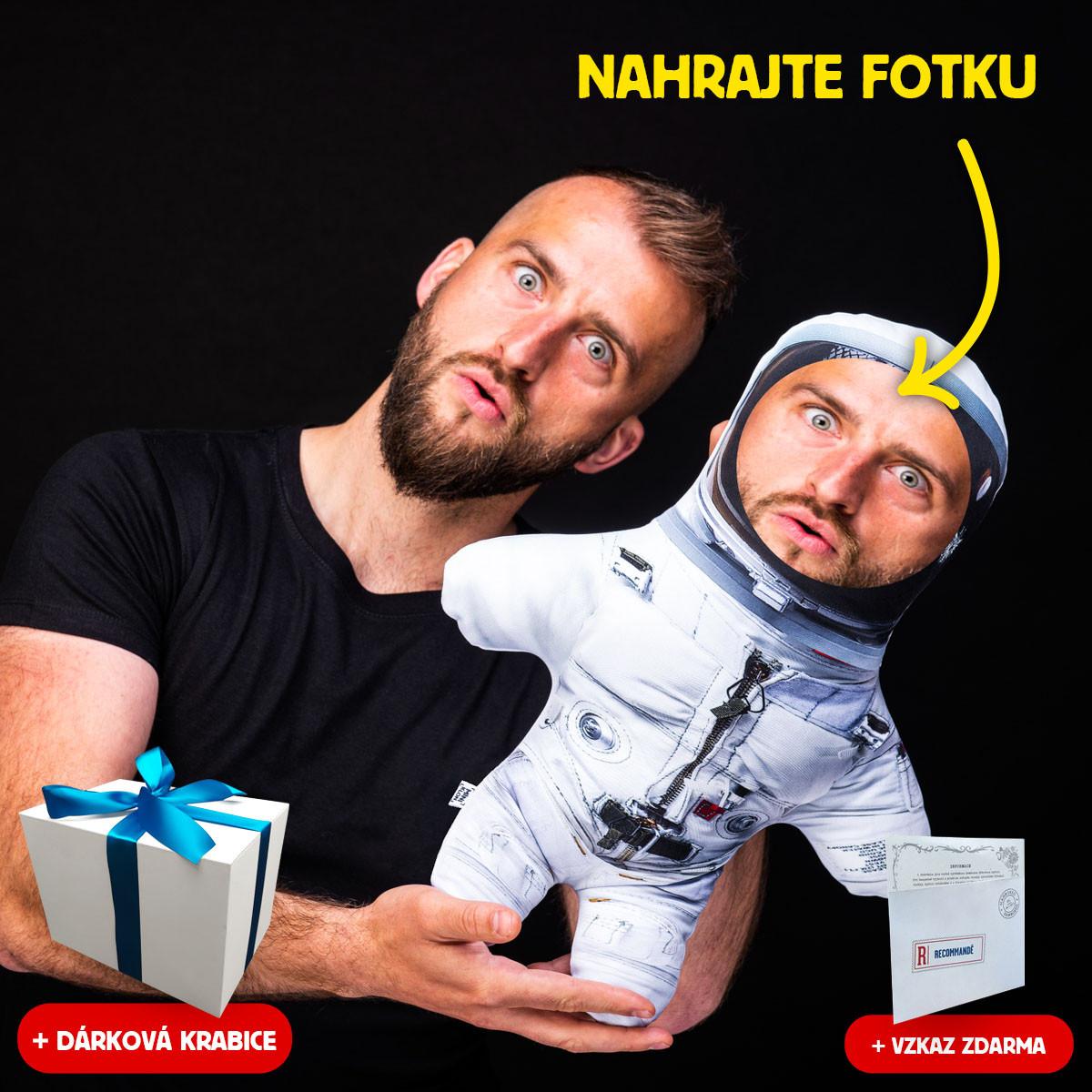 Miniklon Astronaut ve skafandru v dárkové krabici