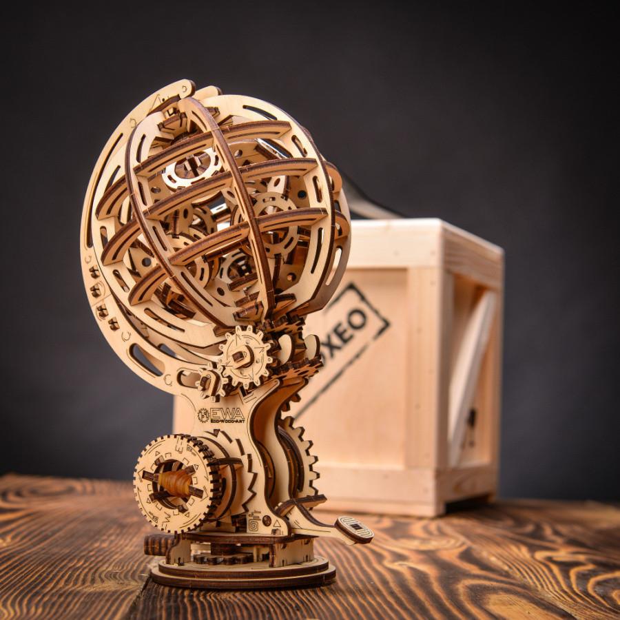 Bedna Kinetic Globe