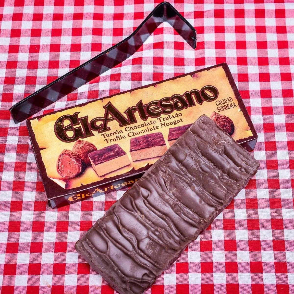 cokoladovy turon s krupavym nugatem el artesano 200g.JPG