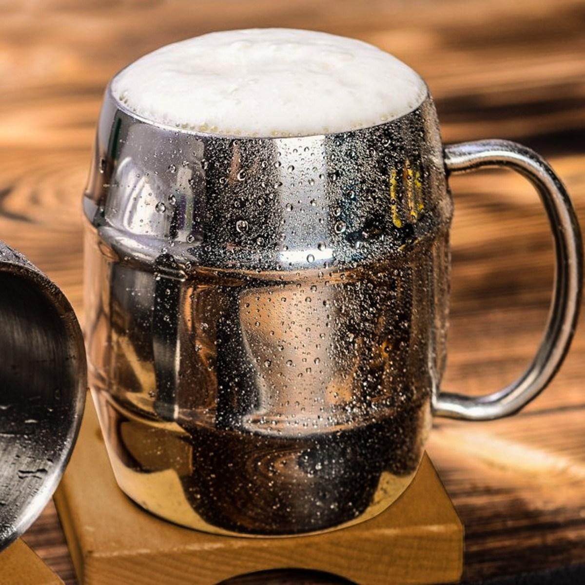 Chladící půllitr Iron Chiller