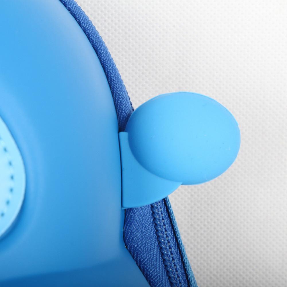 Batůžek Modré závodní auto