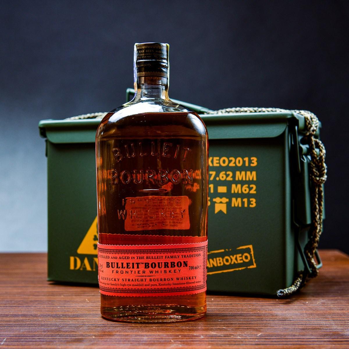 Armyboxeo s bourbonem
