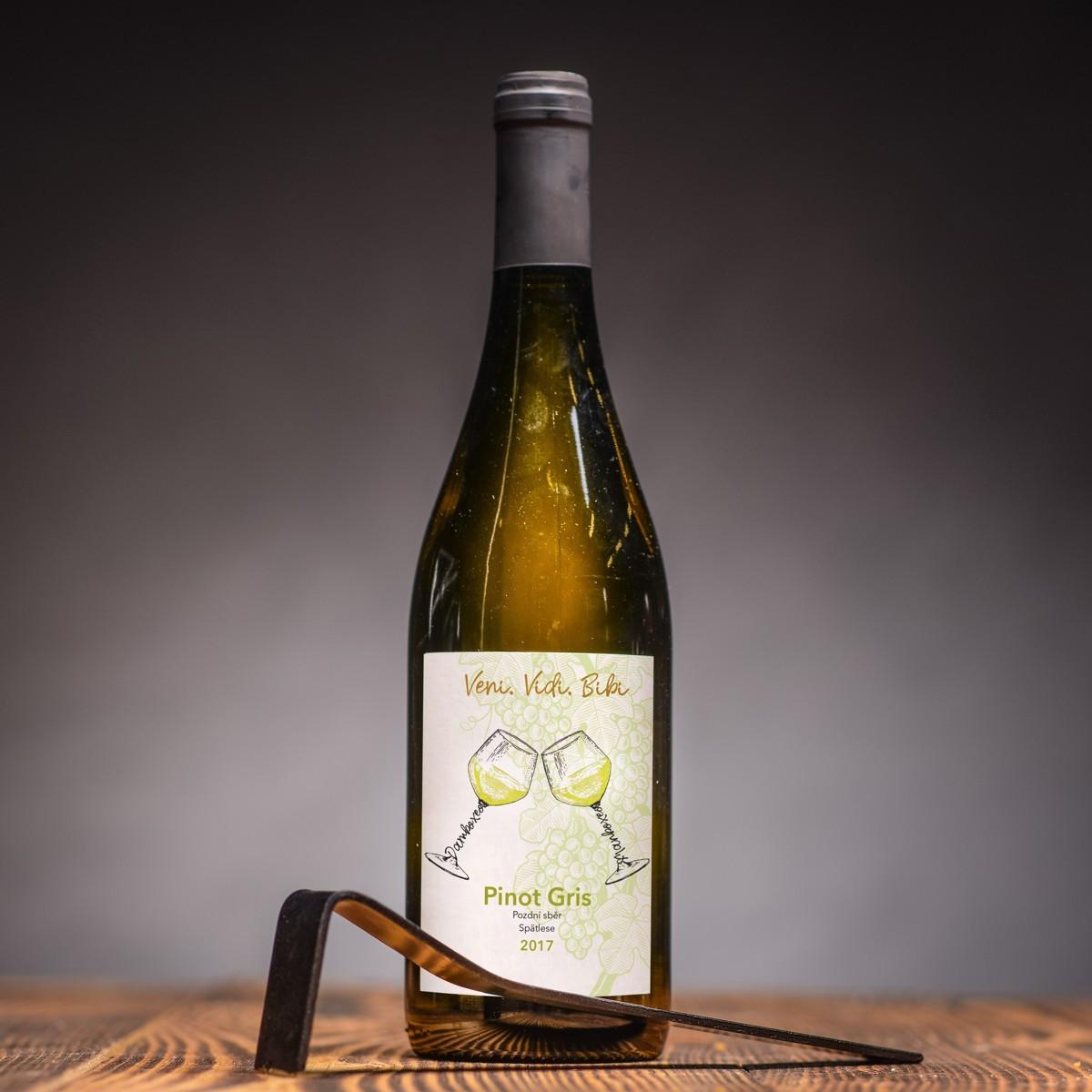bilé víno pinot gris rulandske sede gotberg.jpg