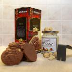 Bílý čokoládový krém s praženými makadamiovými oříšky