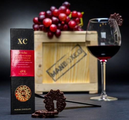Noblesní čokoláda k červeným vínum.jpg