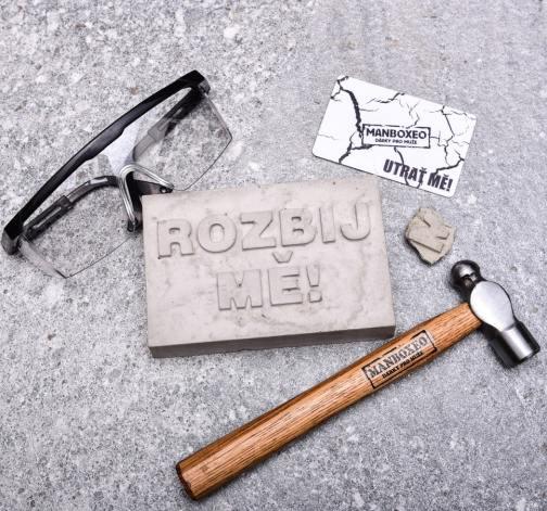 Manboxeo cihla s kartou kladivem a brýlemi - vánoční dárek pro muže.jpg