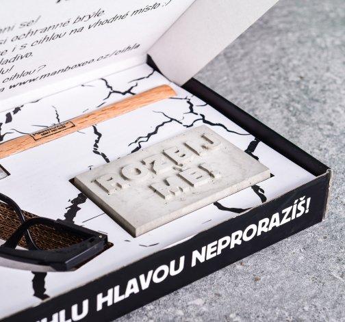 Dárková krabice s betonovou cihlou - dárky z lásky pro muže.jpg