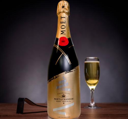Bedna se šampaňským