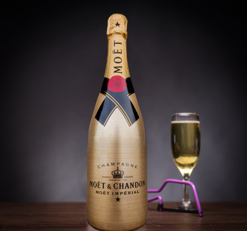 Truhla se šampaňským