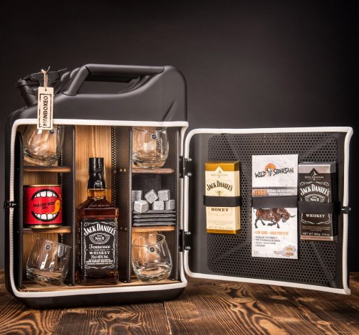 Dočasný Whisky Manboxeo Bar Lékárnička II.