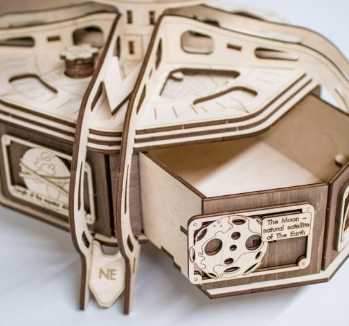 Dřevěný skládací 3D model - The Globe (brown)