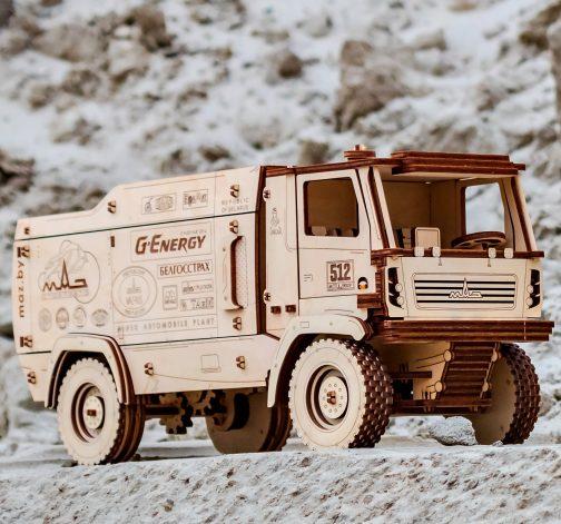Dřevěný skládací 3D model - MAZ 5309RR 1:20