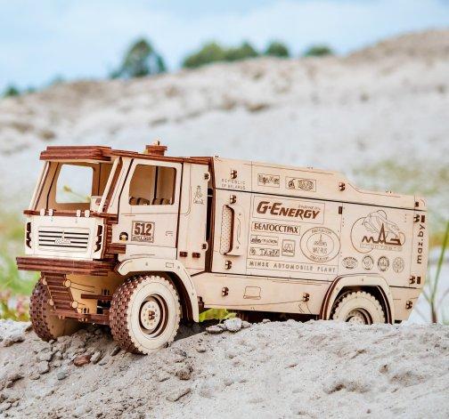 Dřevěný skládací 3D model - MAZ 5309RR 1:30