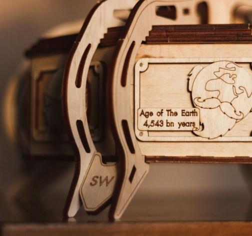 Dřevěný skládací 3D model - The Globe (blue)