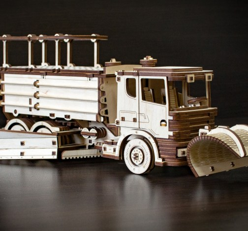 Dřevěný skládací 3D model - Snowtruck