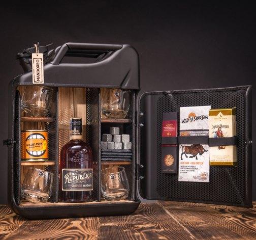 Dočasný Rum Manboxeo Bar Černý mat