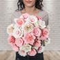 Dřevěná vonící kytice růžová – 21 květin