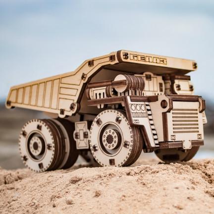 Model nákladního auta Belaz mini