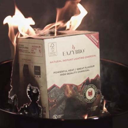 Praktické balení přírodního dřevěného uhlí