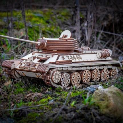 Dřevěný model Tank T-34-85