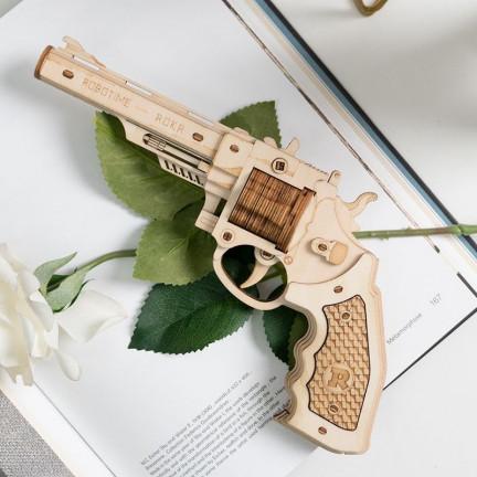 Dřevěný skládací revolver